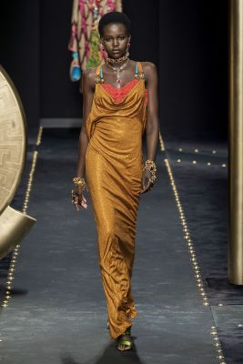 adut akech versace fashion week milan FW19