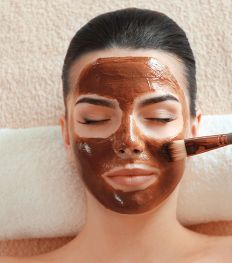 On a testé : de la mousse au chocolat comme soin visage