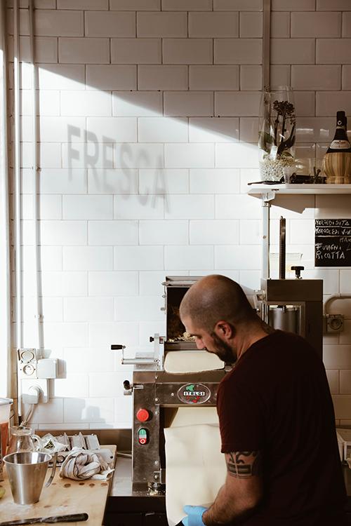 Photo de la machine à faire les pâtes chez Fresca