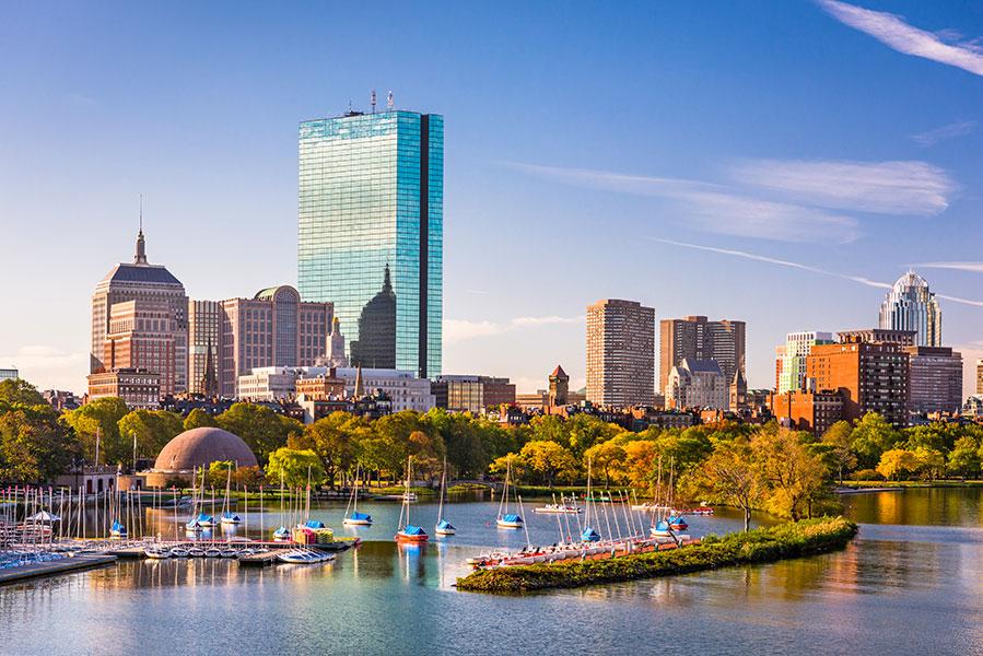 Vue aérienne sur le port de Boston.