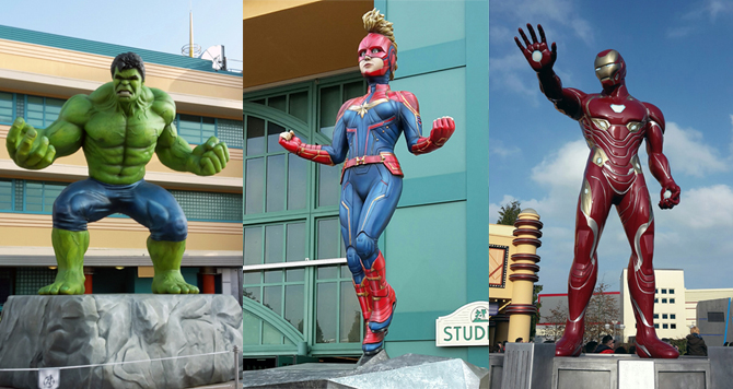 Photo montage de trois super-héros à DisneyLand Paris.