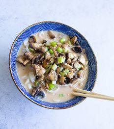 Nouilles udon aux champignons et lait de coco d'Emna Everard
