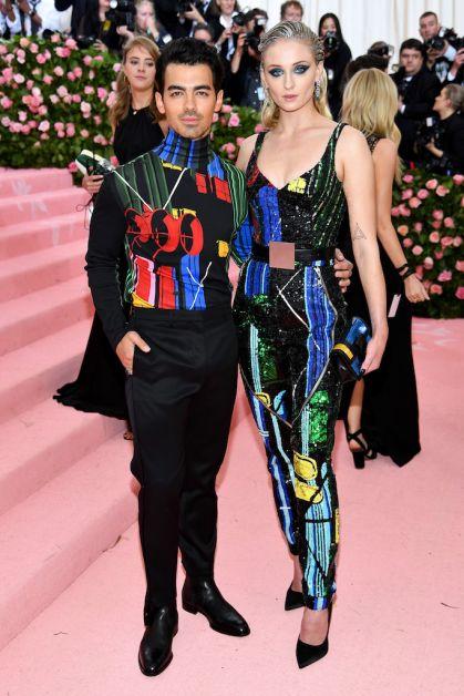 6 faits impressionnants à propos de la tenue de Sophie Turner au Met Gala - 1