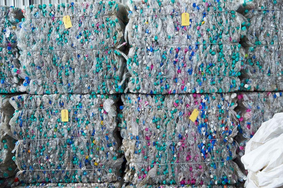 plastique recyclé compact