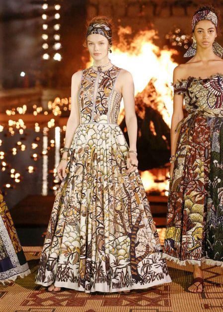 robe longue en wax dior cruise 2020