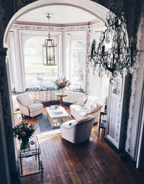 castle roc hotton salon
