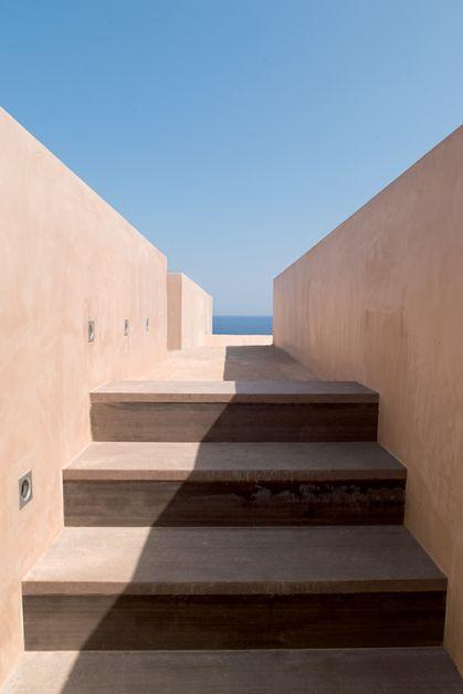 photo d'un escalier de La Réserve Ramatuelle