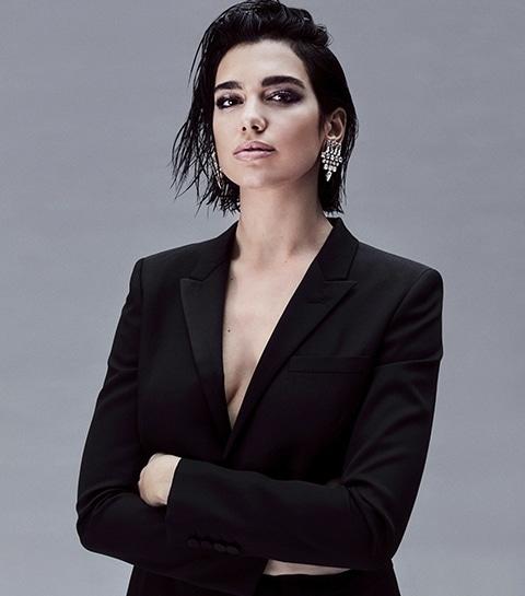 Dua Lipa incarne le nouveau parfum féminin Yves Saint Laurent