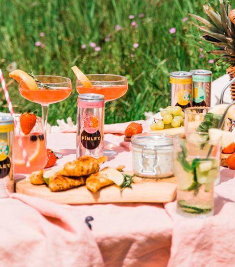 Cocktail citron, fruits rouges et fleur de sureau