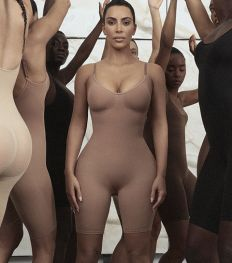 Pourquoi la nouvelle marque de shapewear de Kim Kardashian fait déjà scandale ?