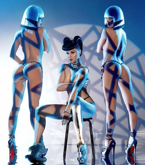 Viktoria Modesta, la star d'un show futuriste au Crazy Horse