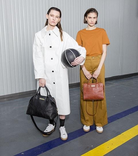 À quoi ressemble la nouvelle collection de sacs de Clio Goldbrenner ?