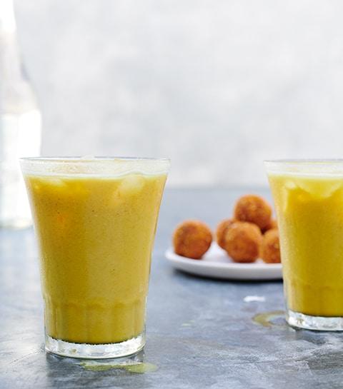 Latte glacé au curcuma et cajou de Gwyneth Paltrow