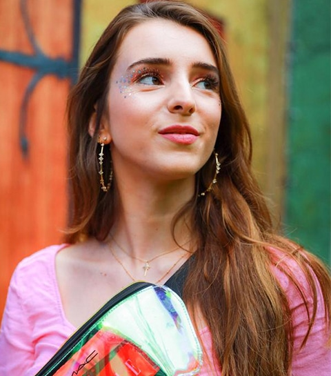 TUTO: réaliser un make-up pailleté pour scintiller en festival
