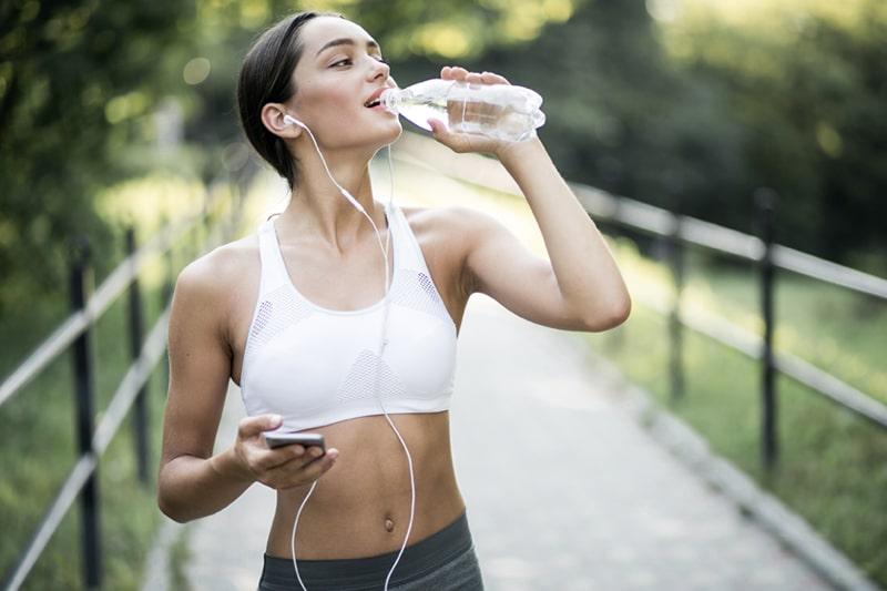 sport courbatures hydratation