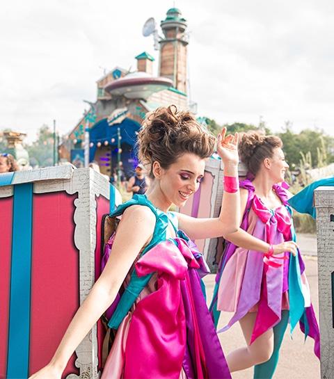 C'était comment: s'infiltrer dans la parade anniversaire de Tomorrowland ?