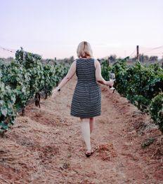 « Vigneronnes »: un livre pour en finir avec les clichés sur les femmes et le vin