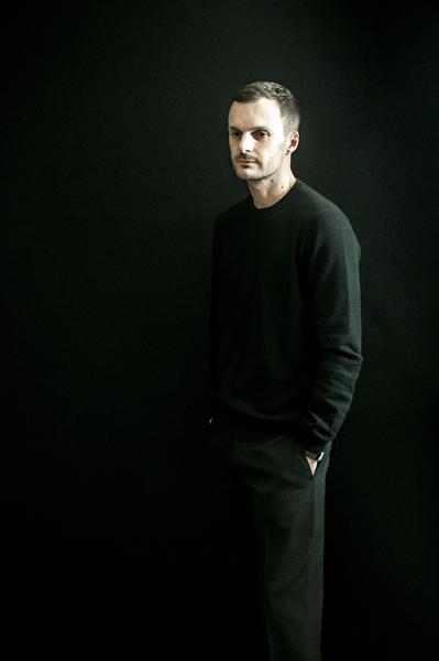 Kris Van Assche Backstage by Benoit Auguste