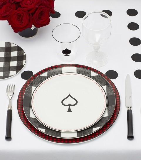 Dior Maison dévoile une collection inspirée des jeux de cartes