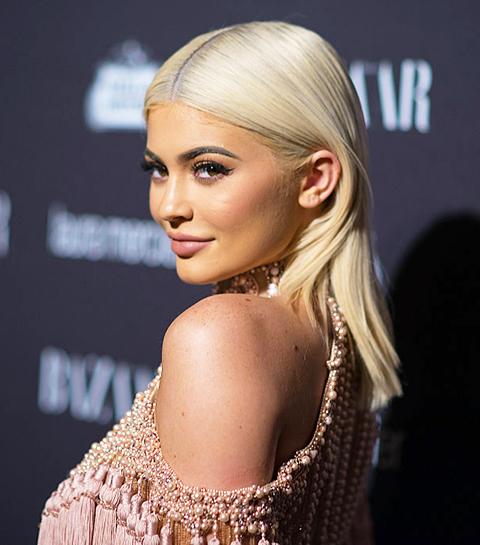 Kylie Jenner annonce le lancement d'une collection make-up avec Balmain