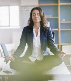 Pleine conscience : 4 exercices bien-être à faire au boulot