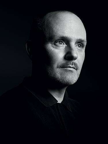Portrait de Peter Philips directeur de la création et de l'image du maquillage Christian Dior.