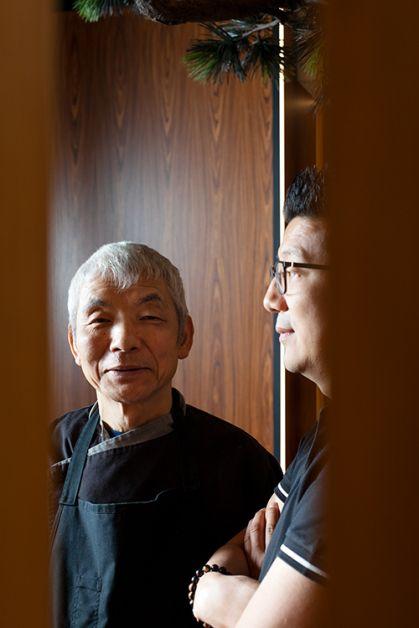 Photo du chef Saito Harumi et de Hugues Polart, les deux hommes à la tête du restaurant Samouraï