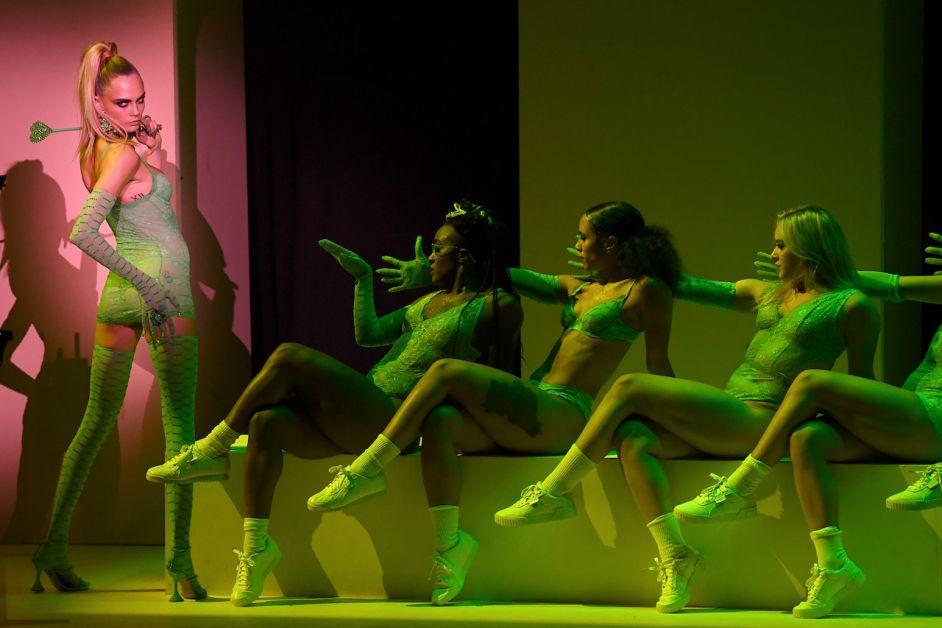 défilé lingerie rihanna