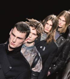 L'Homme de la situation : pourquoi la mode masculine nous fascine ?