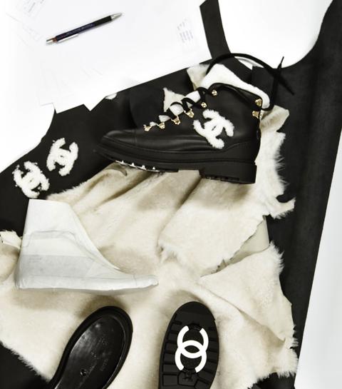 À quoi ressemblent les coulisses de la fabrication d'une chaussure Chanel ?