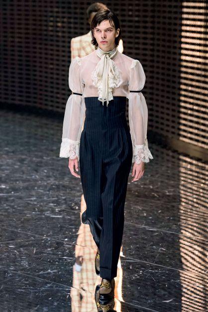 blouse romantique gucci