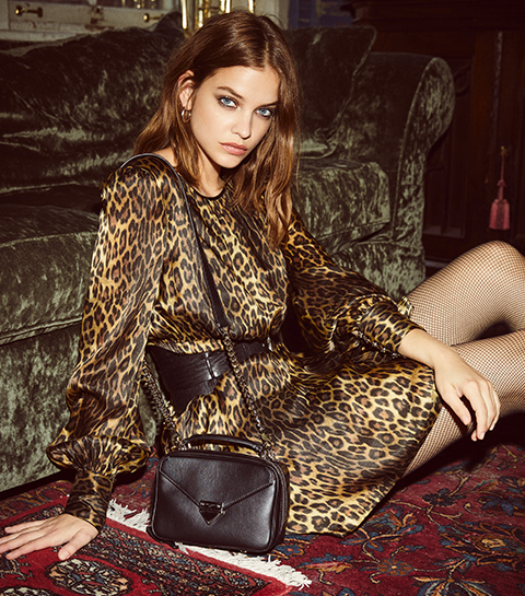 Barbara Palvin co-signe le nouvel it-bag de The Kooples