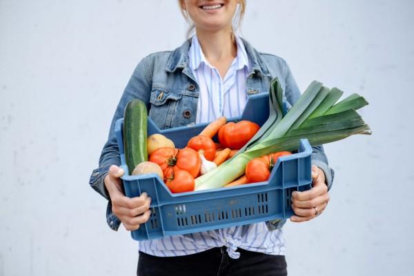 Caisse de légumes de saison pour les soupes enVie