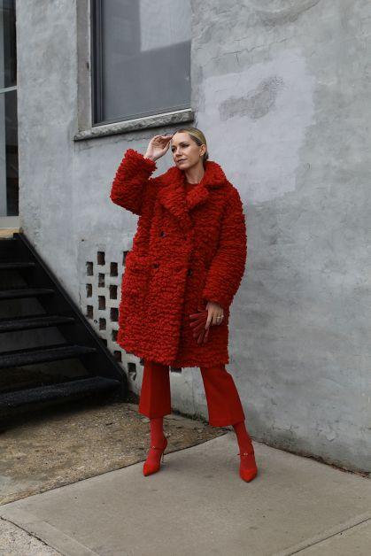 blair eadie en total look rouge