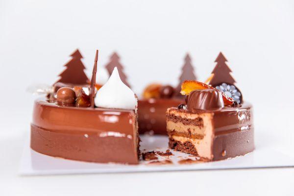 Bûche Casse-Noisettes au caramel