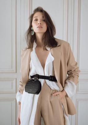 Un sac - ceinture Polène parce que je suis ultra fan de cette marque !