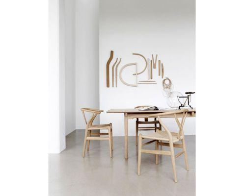 2 chaises en hêtre Wishbone pour décorer ma nouvelle maison