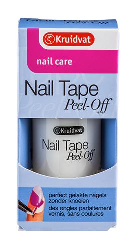Le soin Nail Tape Peel-Off de Kruidvat évite de se mettre du vernis à ongles partout.