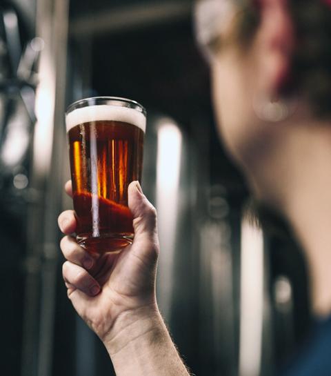 Les nouvelles adresses où boire (et manger) des bières artisanales à Bruxelles