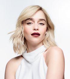Emilia Clarke est la nouvelle ambassadrice de la marque Clinique