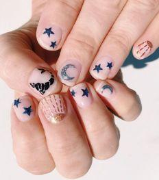Nail art : 12 idées de manucures pour les fanas d'astrologie