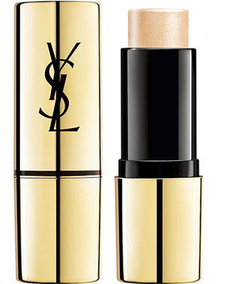 Pour un make-up nude réussi utilisez le Stick illuminateur Touche Eclat d'Yves Saint Laurent.