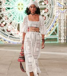 Dior célèbre la région des Pouilles dans un show émouvant