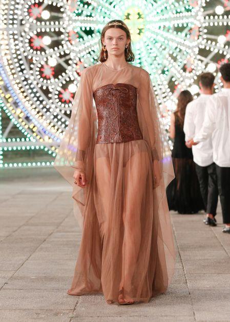 Dior célèbre la région des Pouilles dans un show émouvant - 8