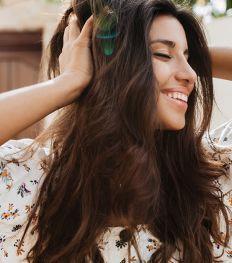 5 accessoires à adopter pour des cheveux resplendissants