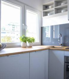 Petite cuisine : gagner de la place avec les portes coulissantes