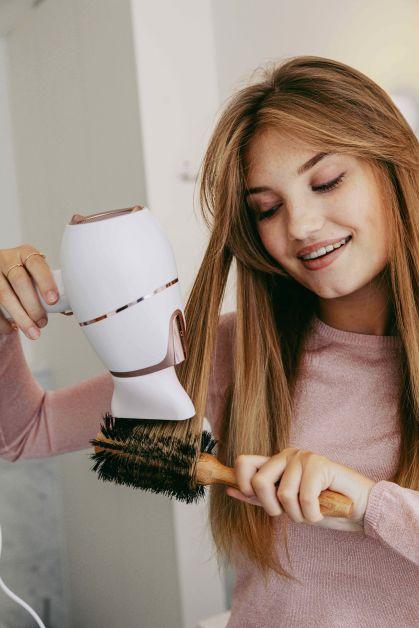 Camille Botten - Sèche-cheveux Philips Prestige avec SenseIQ