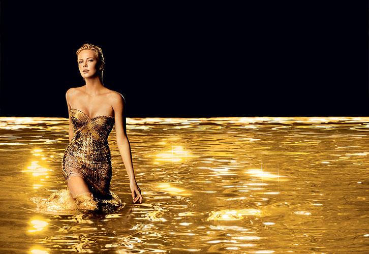 Making of de la campagne J'adore, réalisation de la robe de Charlize Theron en 2013.