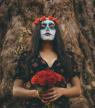 Halloween : comment bien retirer son maquillage sans s'abîmer la peau ?