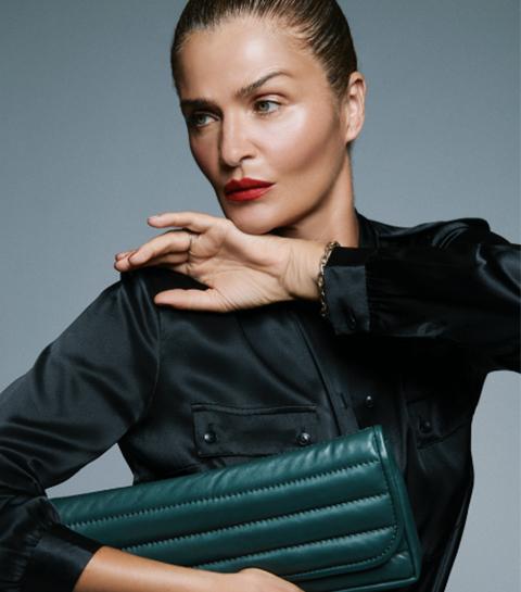 Anine Bing x Helena Christensen : la collab' pour se la jouer «supermodel»